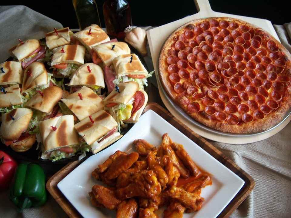 Creno's Pizza - Maple Ave
